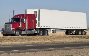 Read more about the article What are the Benefits of Buying a Semi Truck in Arizona